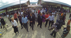Bobby-Sherry-Pastor-Franklin-at-marketplace-on-Dec.-9